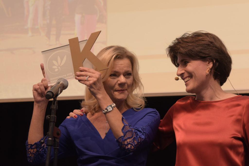 Martina Knitter zusammen mit Sophie Boissard, CEO der KORIAN Gruppe