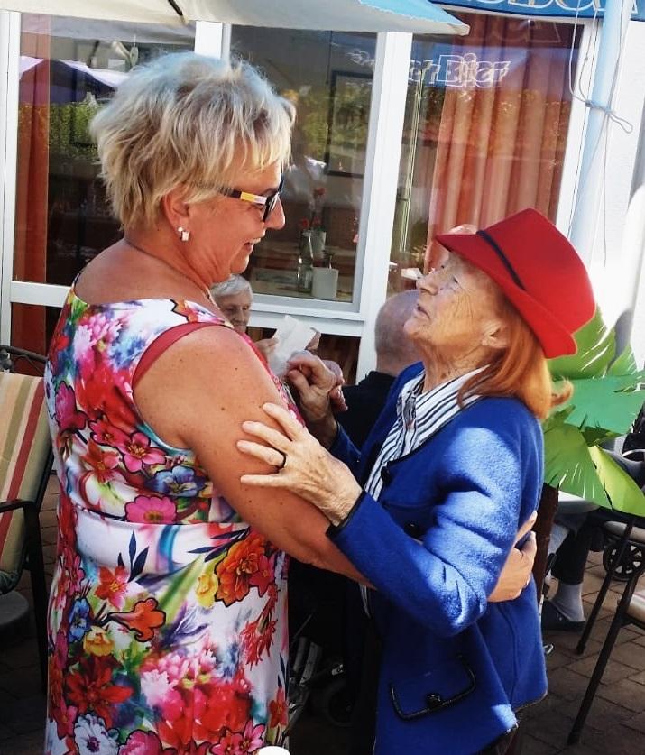 Einrichtungsleitung Claudia Halbritter aus dem KORIAN-Haus in Pfronten hat für ihre Bewohner immer ein offenes Ohr.