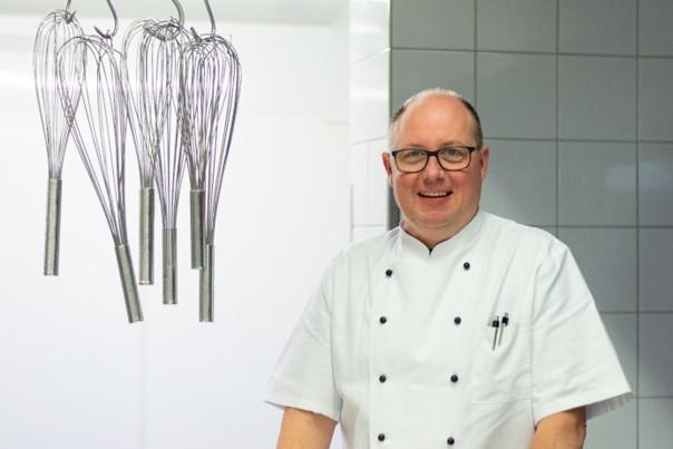 Thomas Müllenmeister, Küchenleiter im Haus Curanum am Ochsenkamp