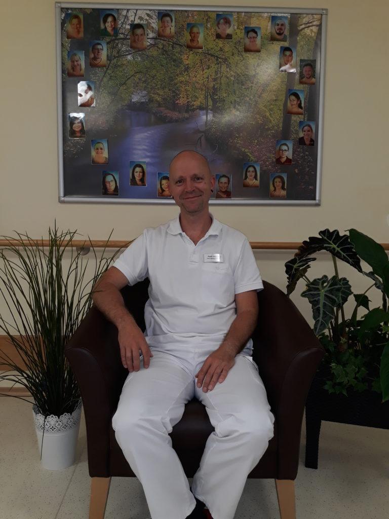 René Lotholz, Wohnbereichsleitung im Haus Curanum in Karlsfeld